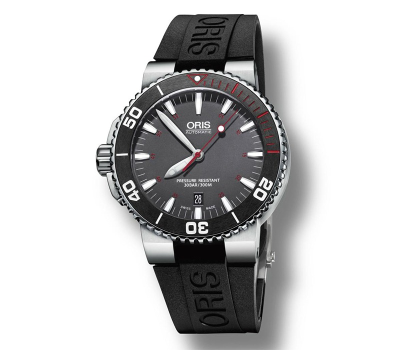 Oris_Aquis_Red_Limited_Edition_Rubber