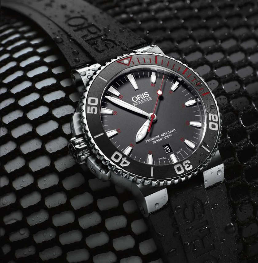 Oris_Aquis_Red_Limited_Edition_Rubber_2