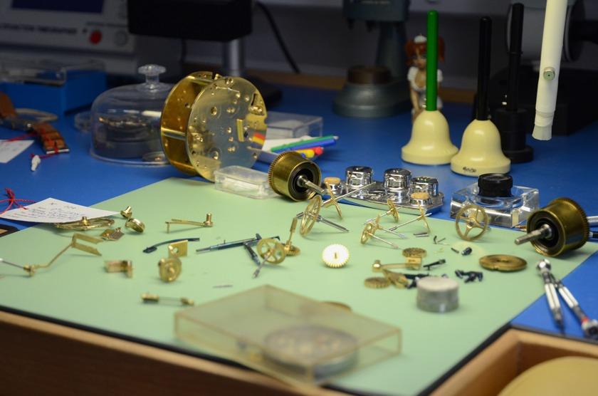 l 39 atelier d 39 horlogerie 123 paris r paration montres paris. Black Bedroom Furniture Sets. Home Design Ideas