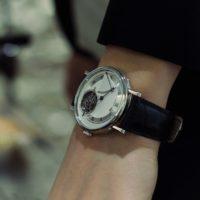 BREGUET CLASSIQUE TOURBILLON EXTRA PLAT AUTOMATIQUE 5377 - wrist