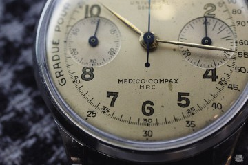 Universal Genève : Medico Compax - Focus