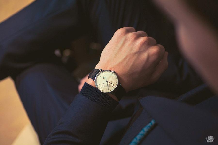 NOMOS Metro Gangreserve Datum - wrist