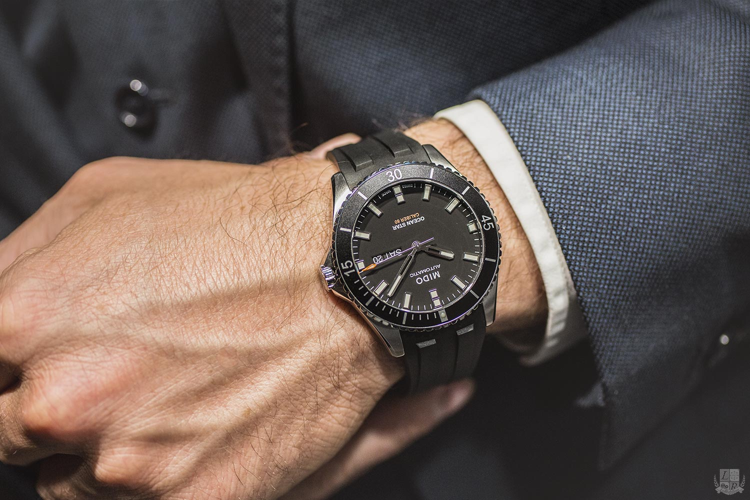Gros match: Longines HC 41 VS Christopher Ward Trident Vintage 43 Montre-mido-ocean-star-2