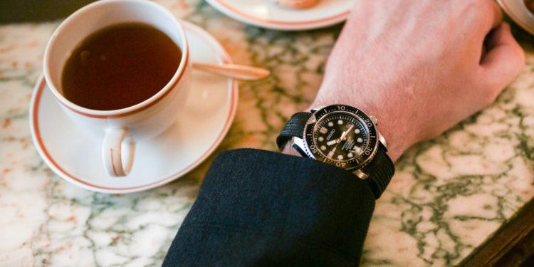Seiko Marine Master 300 - The Watch Snack : Café Angelina