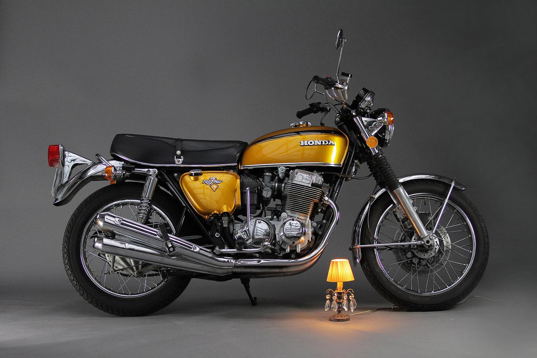 Vente de motos à la Fabrique Générale - Honda 750 Four