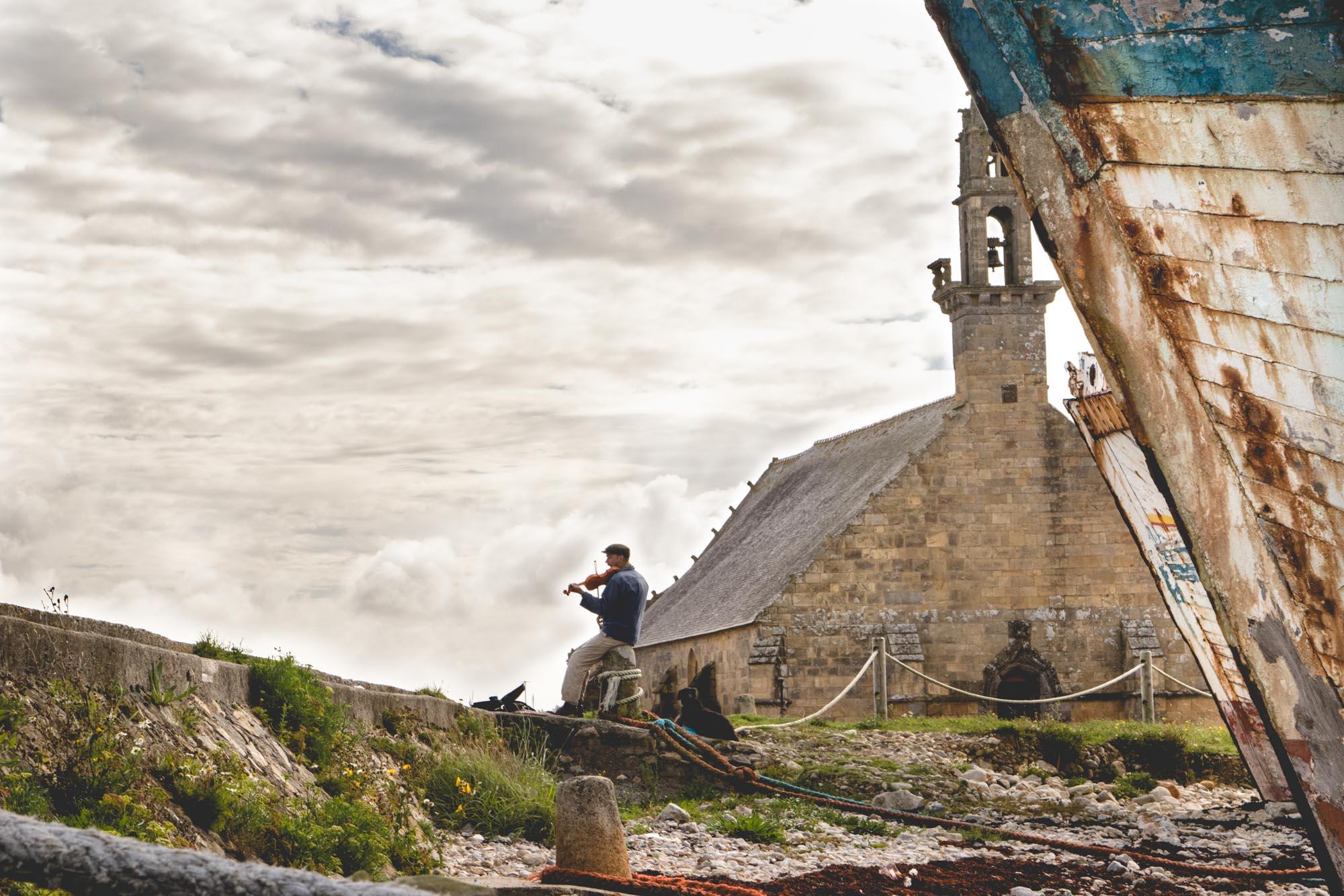 Road Trip #1 : voyage au bout de la Terre - Épaves de vieux bateaux près de la Tour Vauban