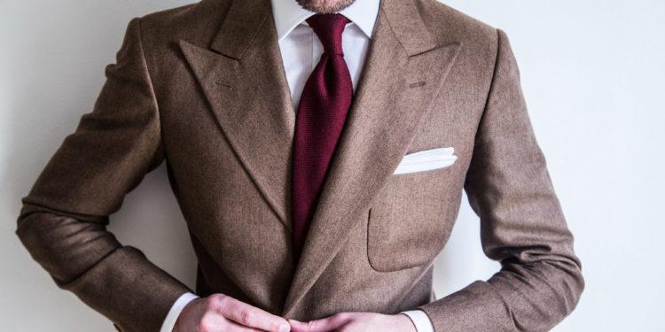 Comment porter sa veste croisée ? La classique chemise