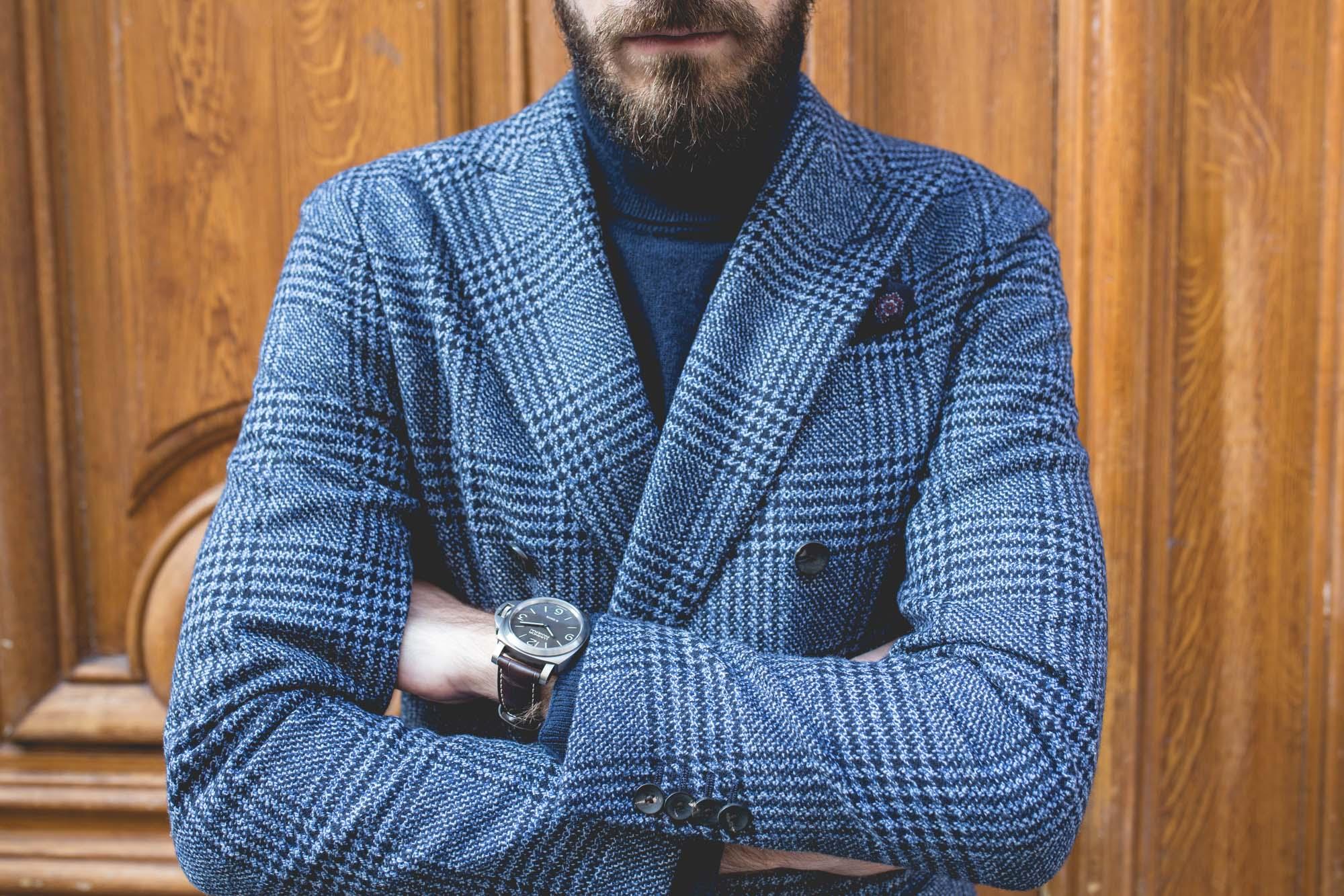 Comment porter sa veste croisée ? Le col roulé