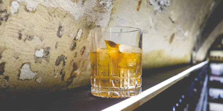 Old Fashioned Cocktail - Old Fashioned