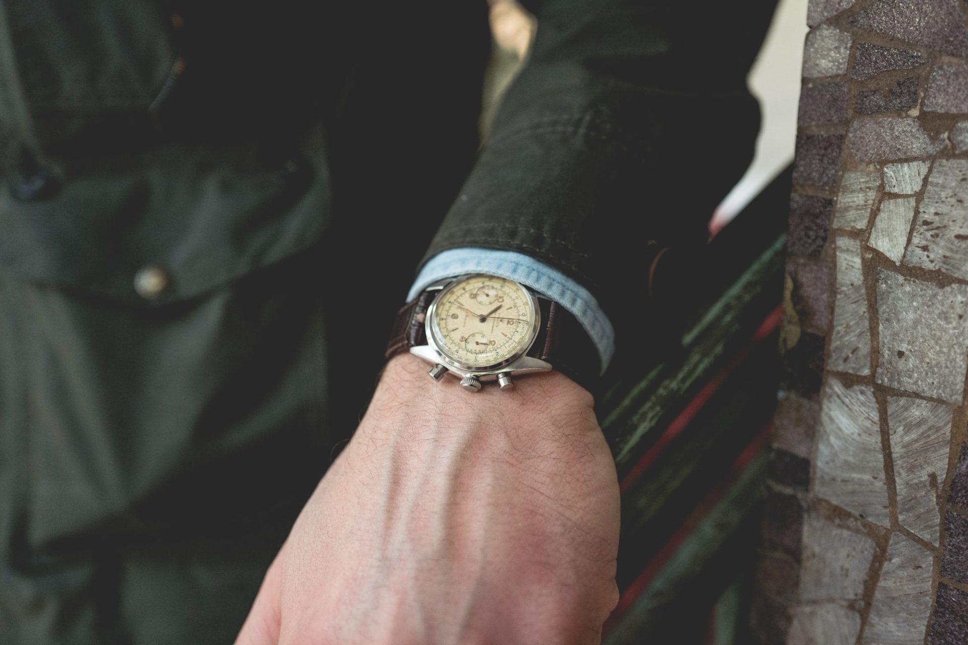 Vente Tajan Georg Fischer Rolex Oyster Chronograph Ref. 4500 - Style