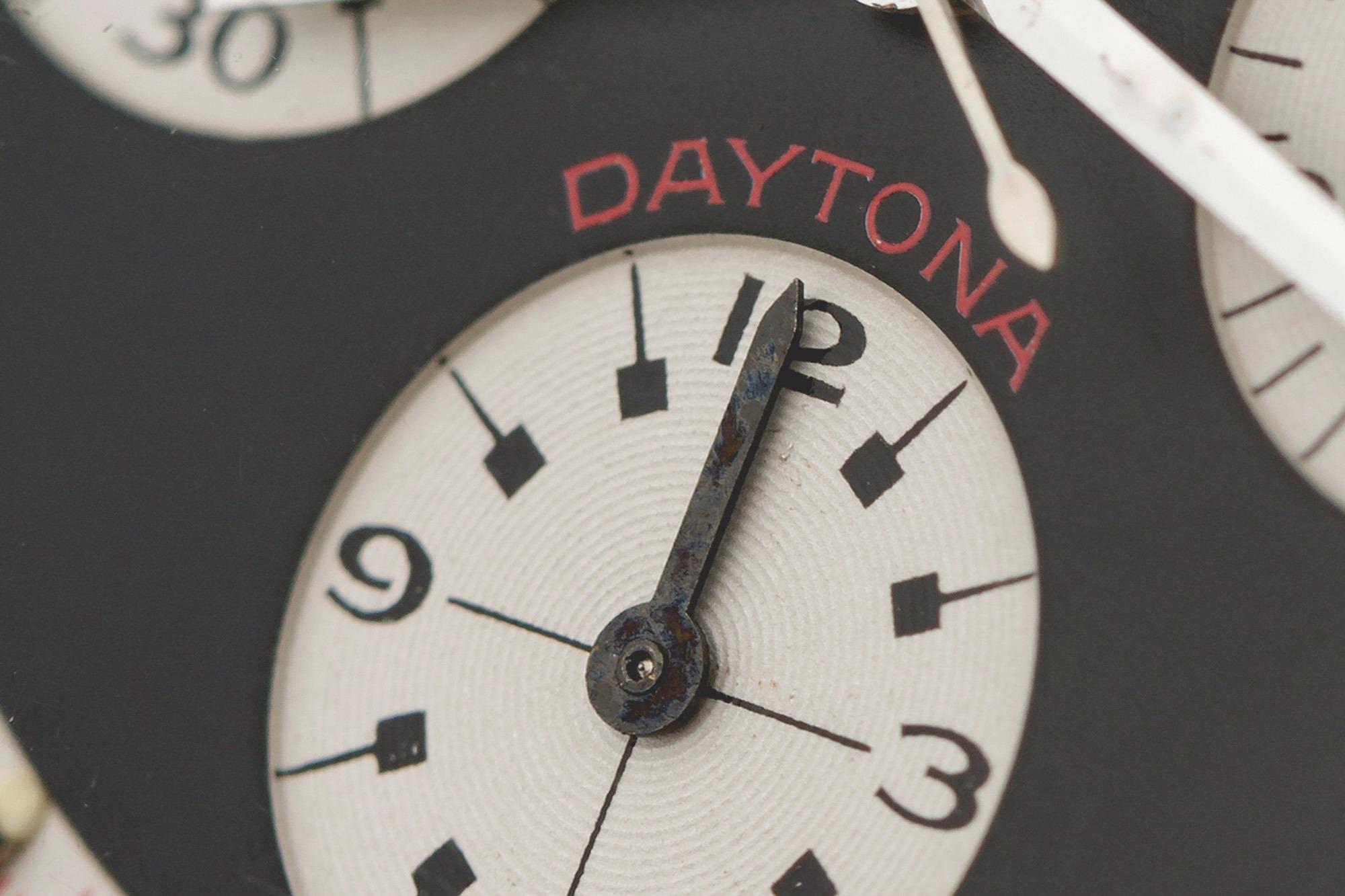Antiquorum - Vente Anniversaire 55 ans Rolex Daytona et Porsche 911