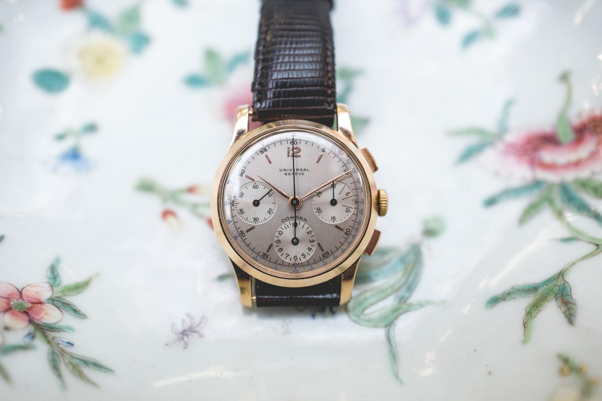 """Vente aux enchères """"montres"""" Tajan - Universal Genève Compax"""