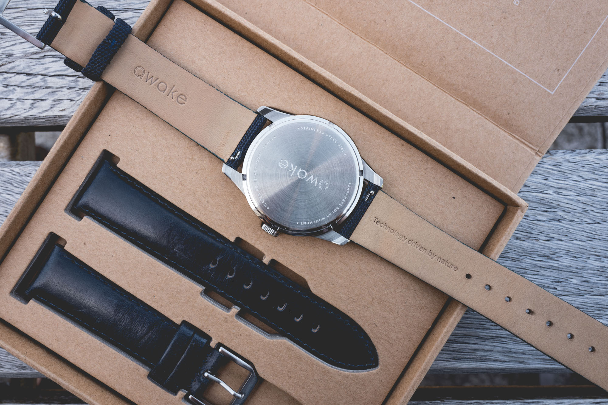 Awake Watches - Fond de boîte