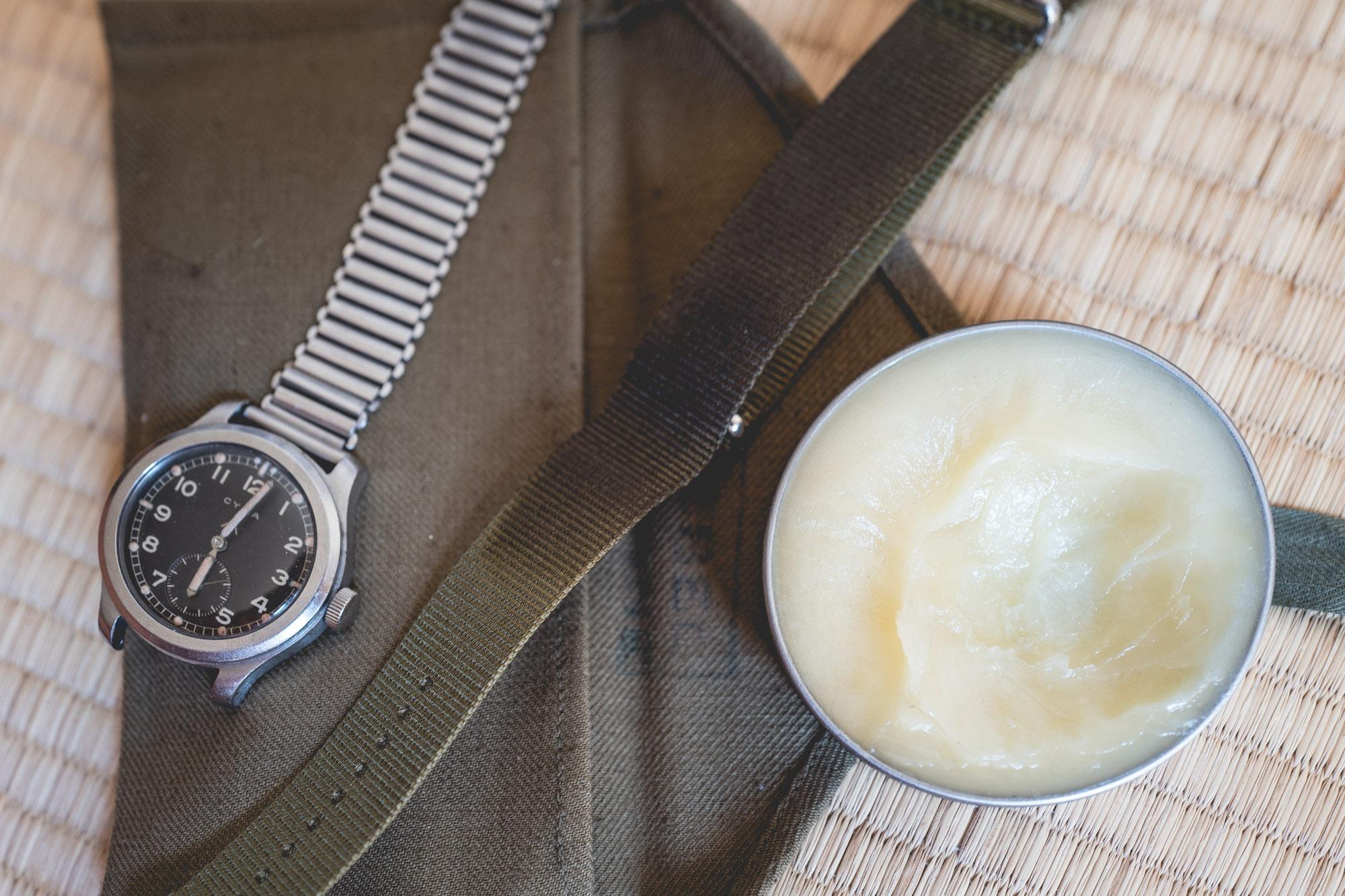 Cirer un bracelet Nato