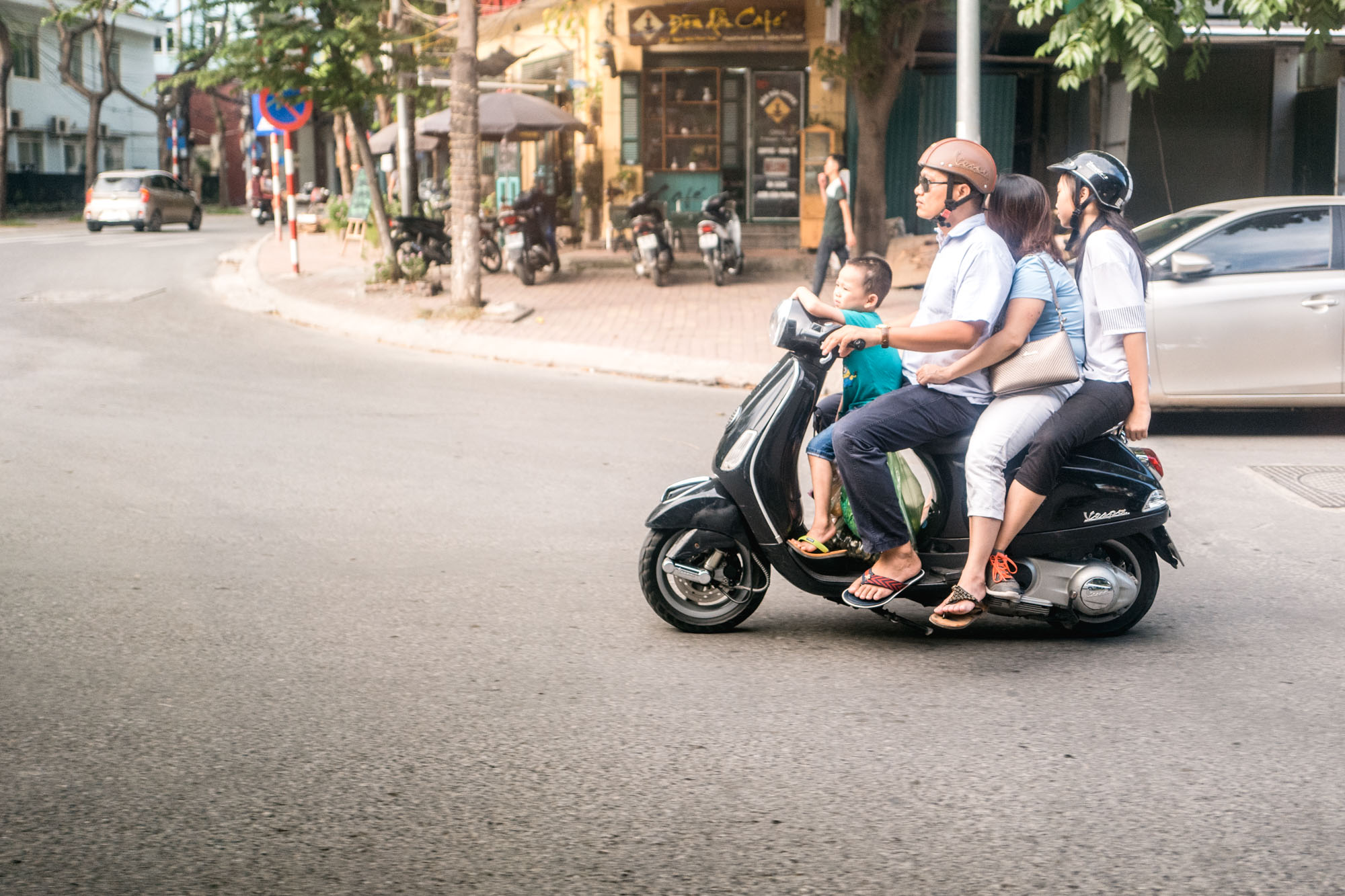 Hanoi, Vietnam - Scooter Famille