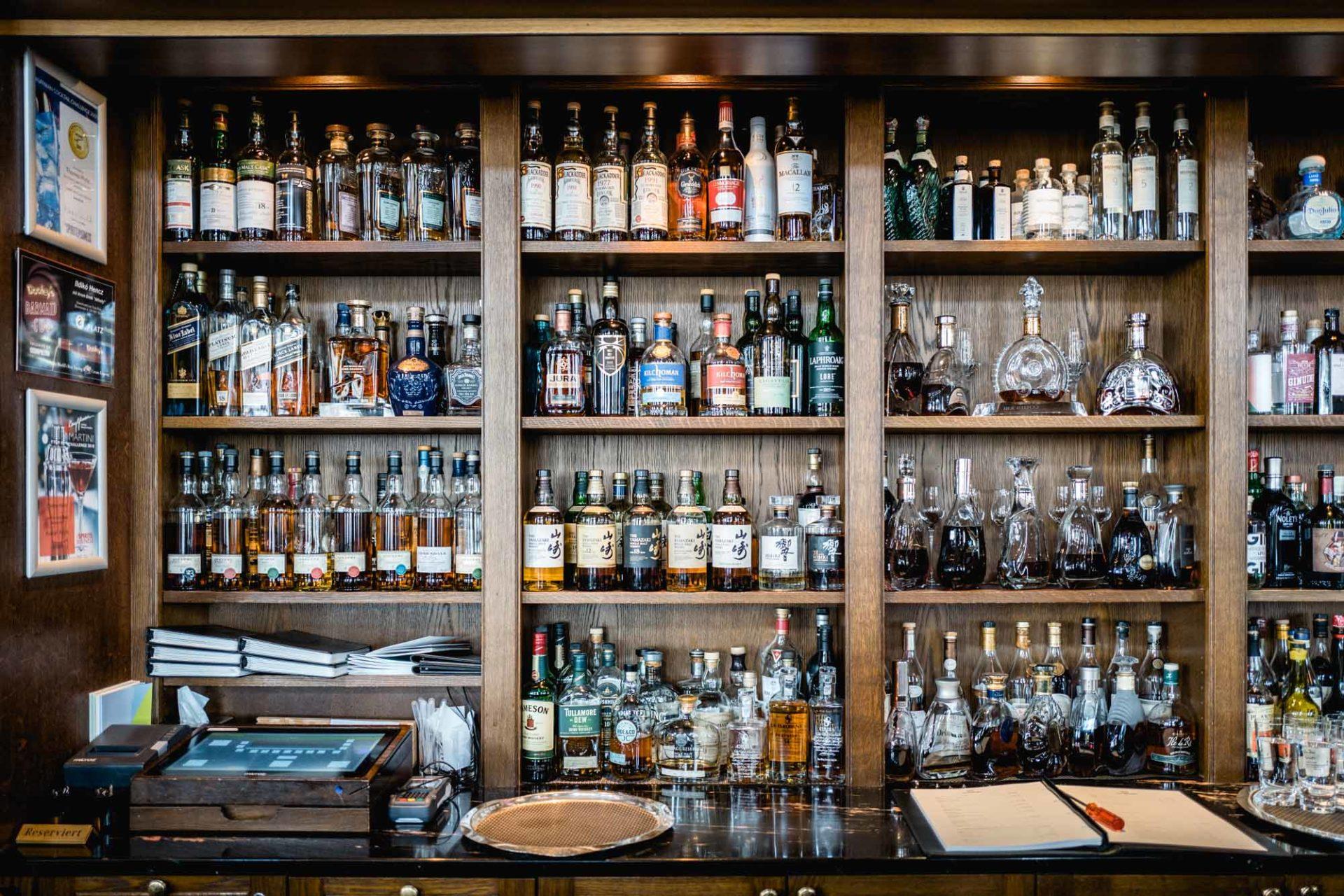 Accords cigares/spiritueux - Bar de l'Hotel des Trois Rois