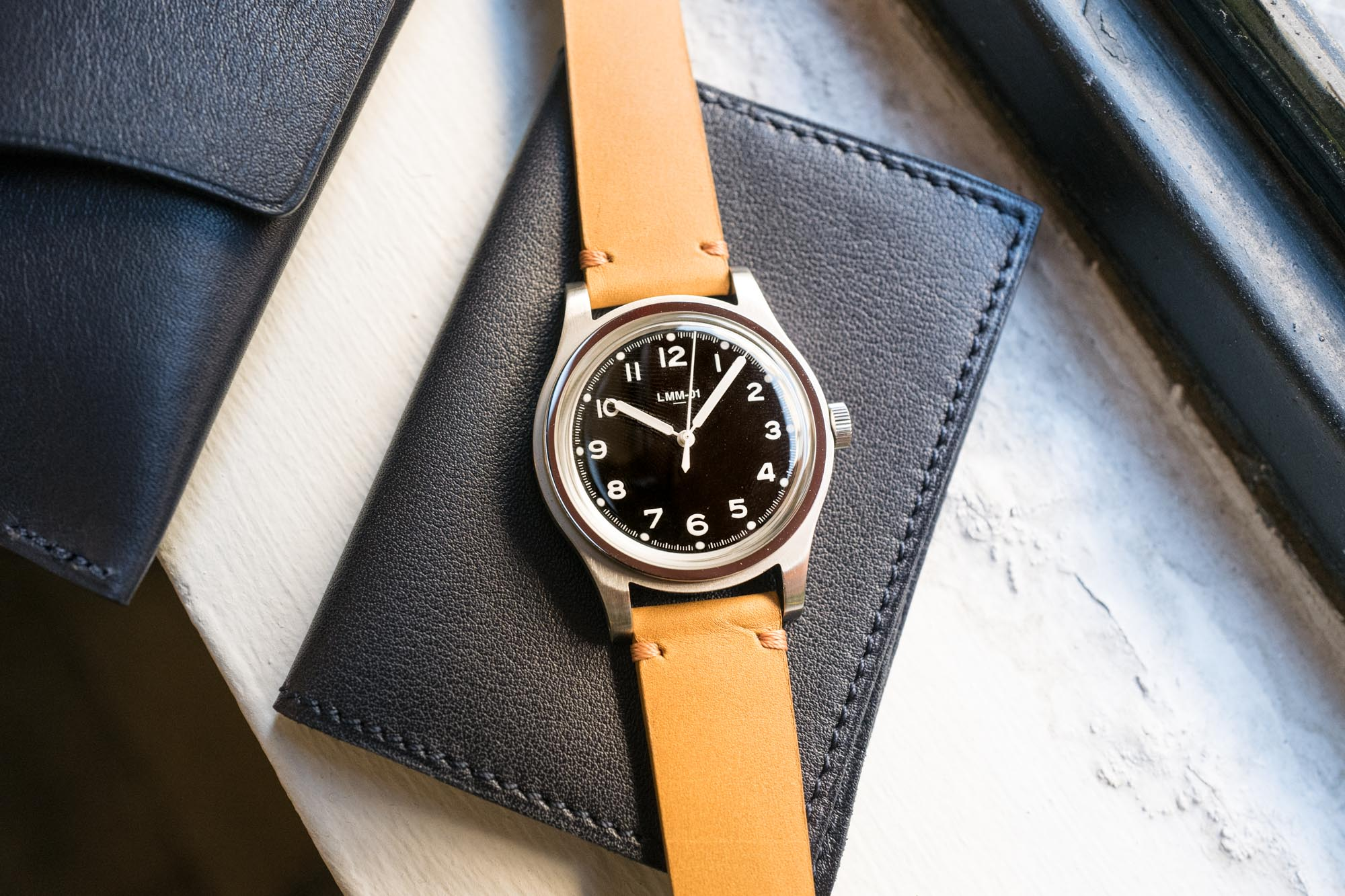 La Montre Merci LMM-01 - Field Watch Noire