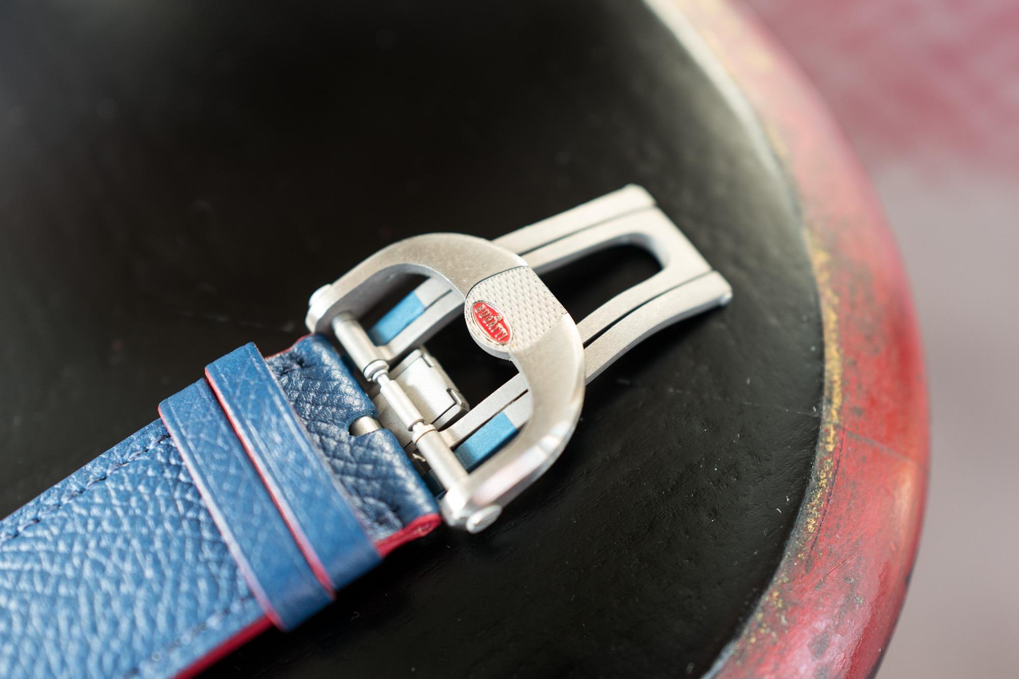 Parmigiani Fleurier Bugatti Aérolithe Chronograph - Boucle