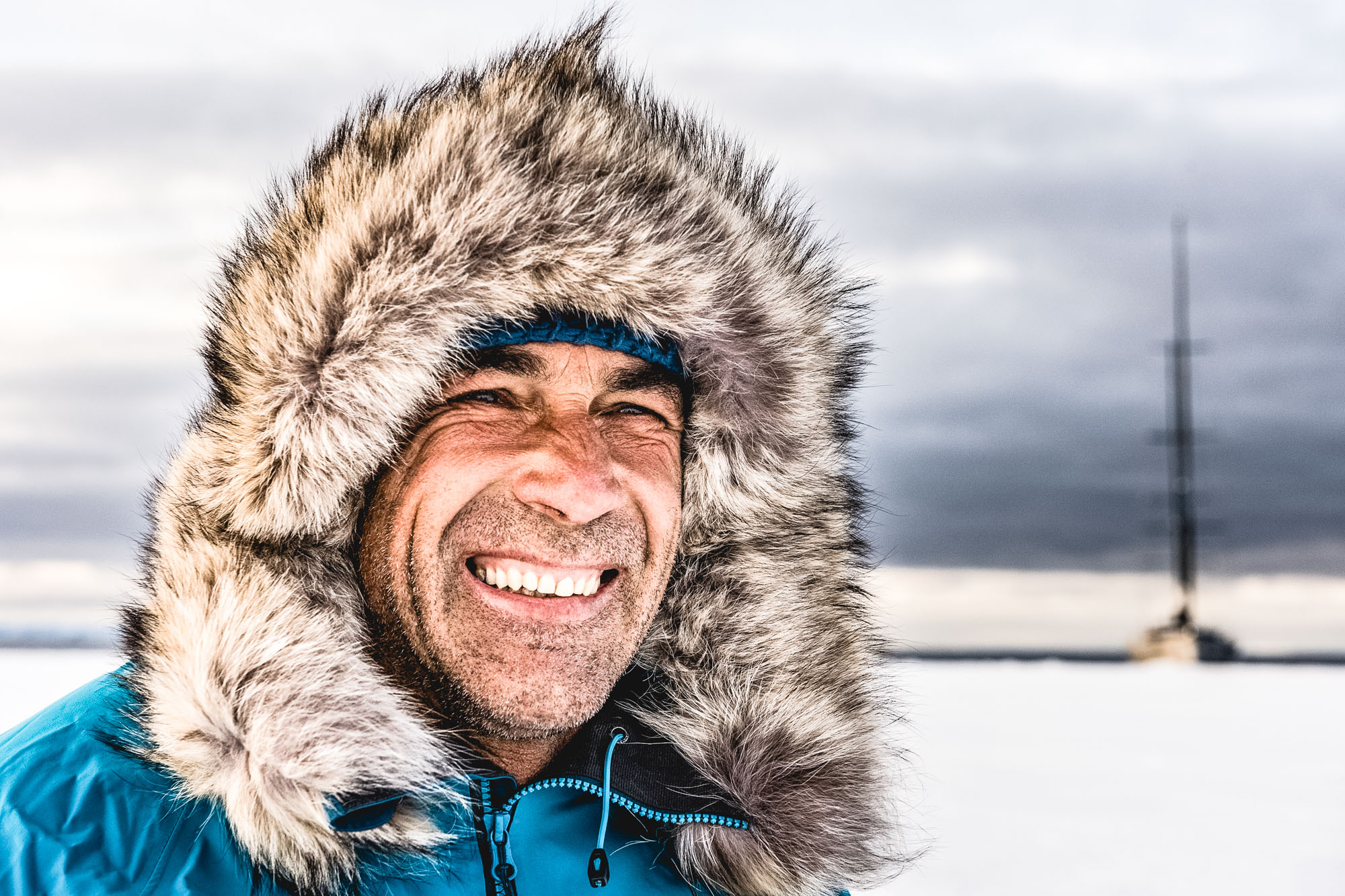 POLE2POLE expedition. Pangaea sailing in Antarctica. Arriving to the Antarctica.Mike Horn testing his kite.