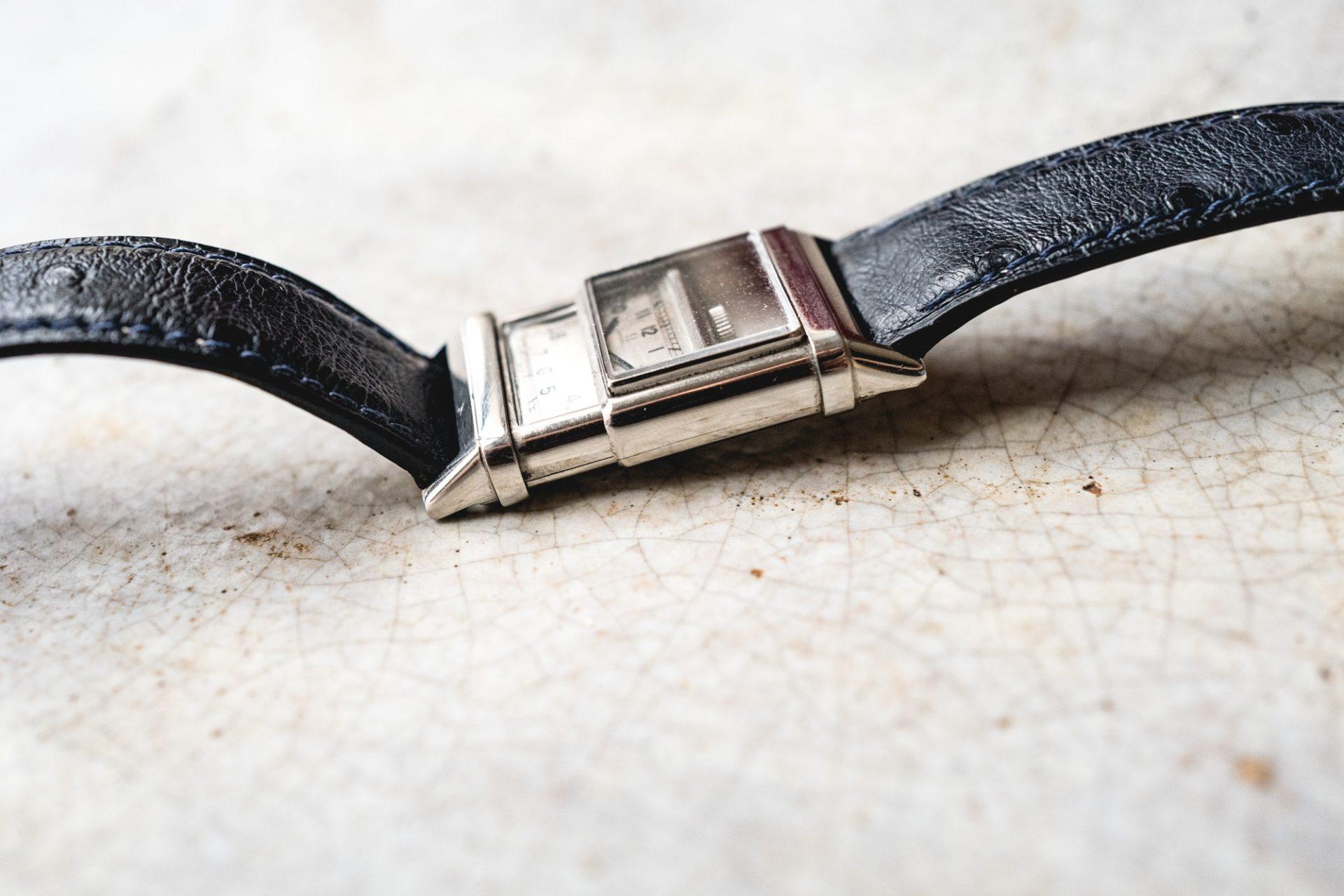Tajan - Vente de montres du 11 décembre -Omega Marine