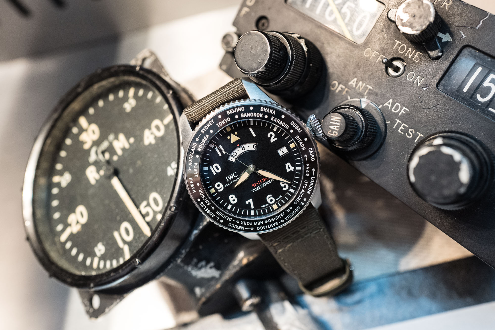 "IWC - SIHH 2019 - Montre d'Aviateur Timezoner Spitfire - Edition ""The Longest Flight"""
