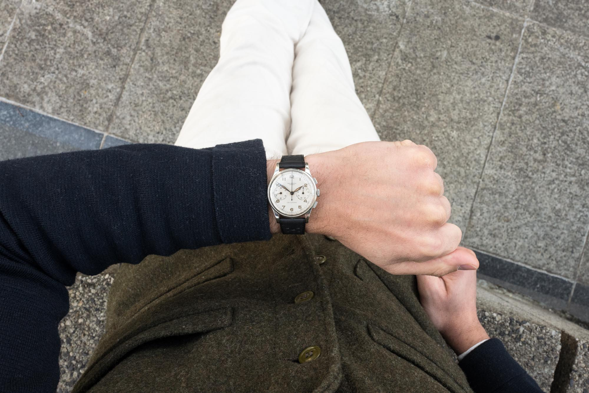 Universal Genève chronographe Uni-Compax - Look