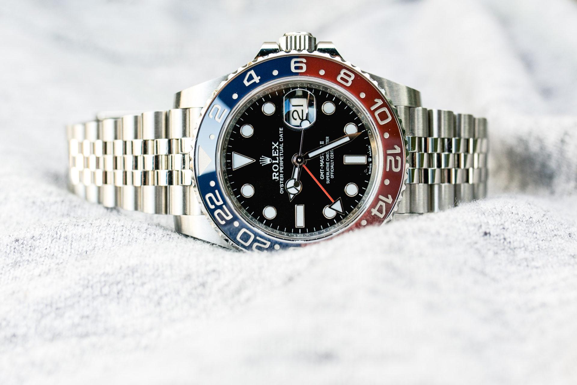 Rolex GMT-Master II Ref 126710BLRO - Focus