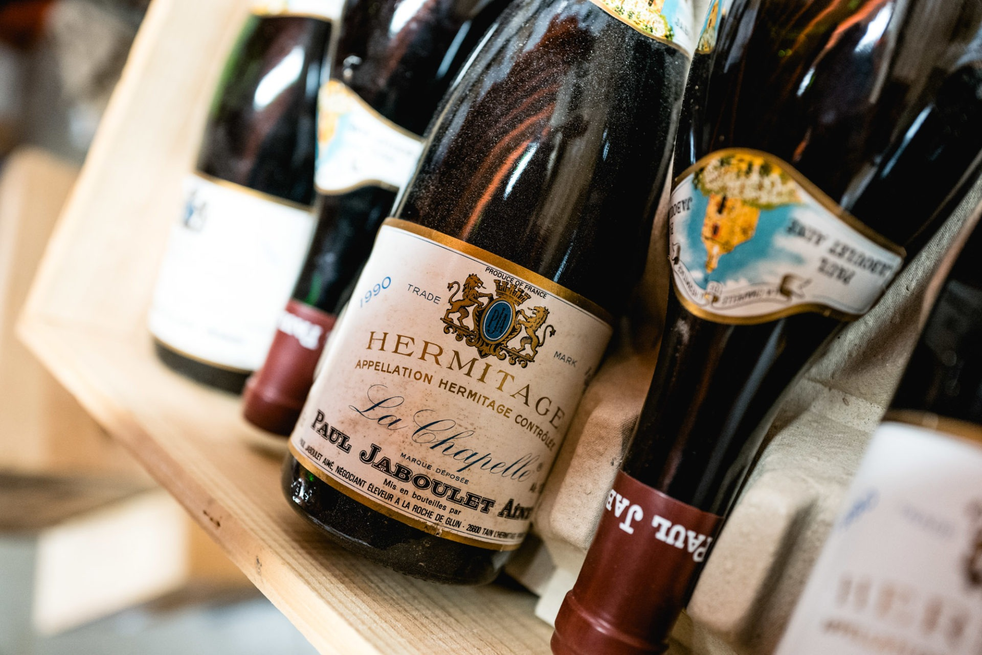 Tajan - Vente de vins et spiritueux du jeudi 25 avril 2019 - Hermitage La Chapelle, Paul Jaboulet 1990