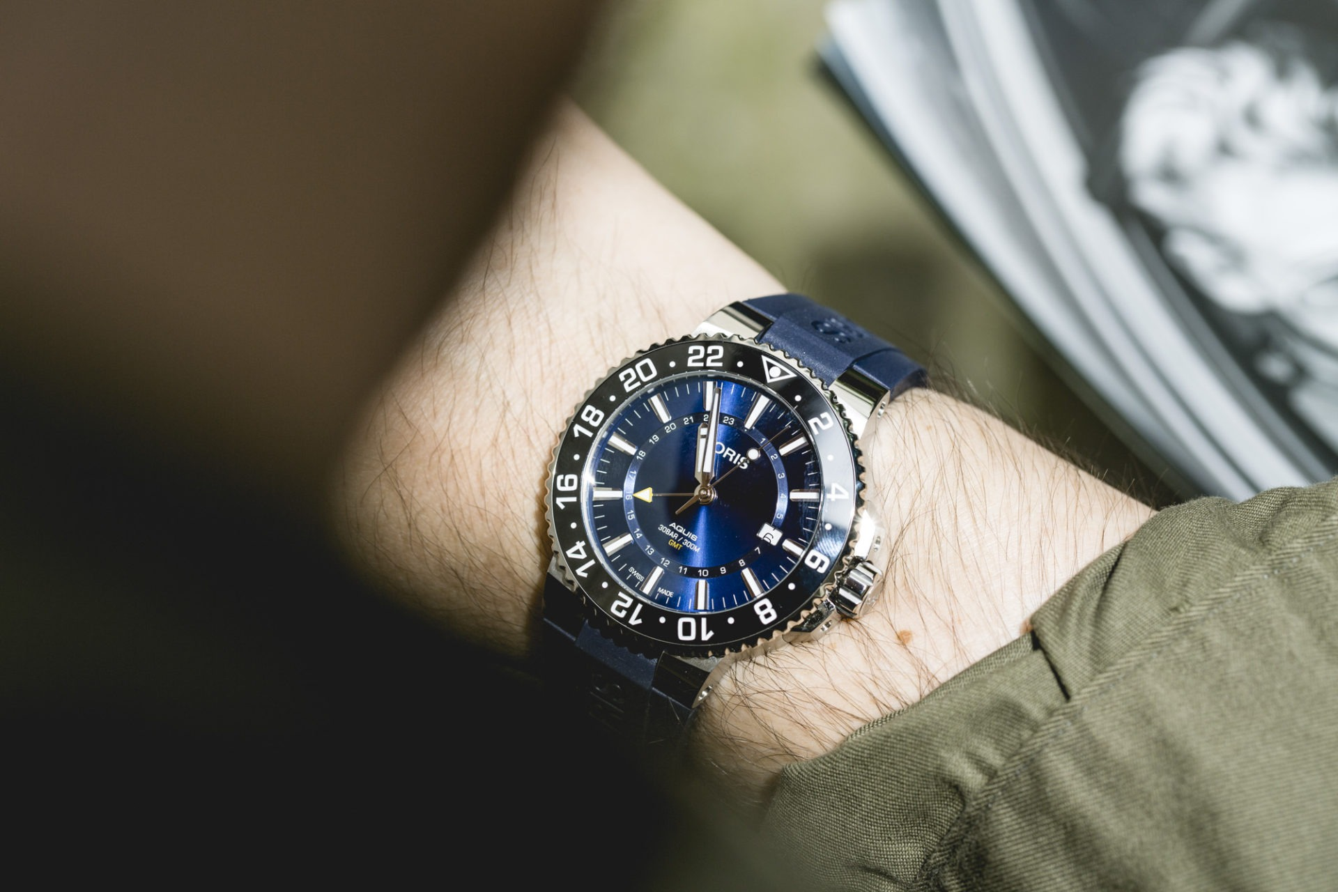 Oris Aquis GMT Date - Close up
