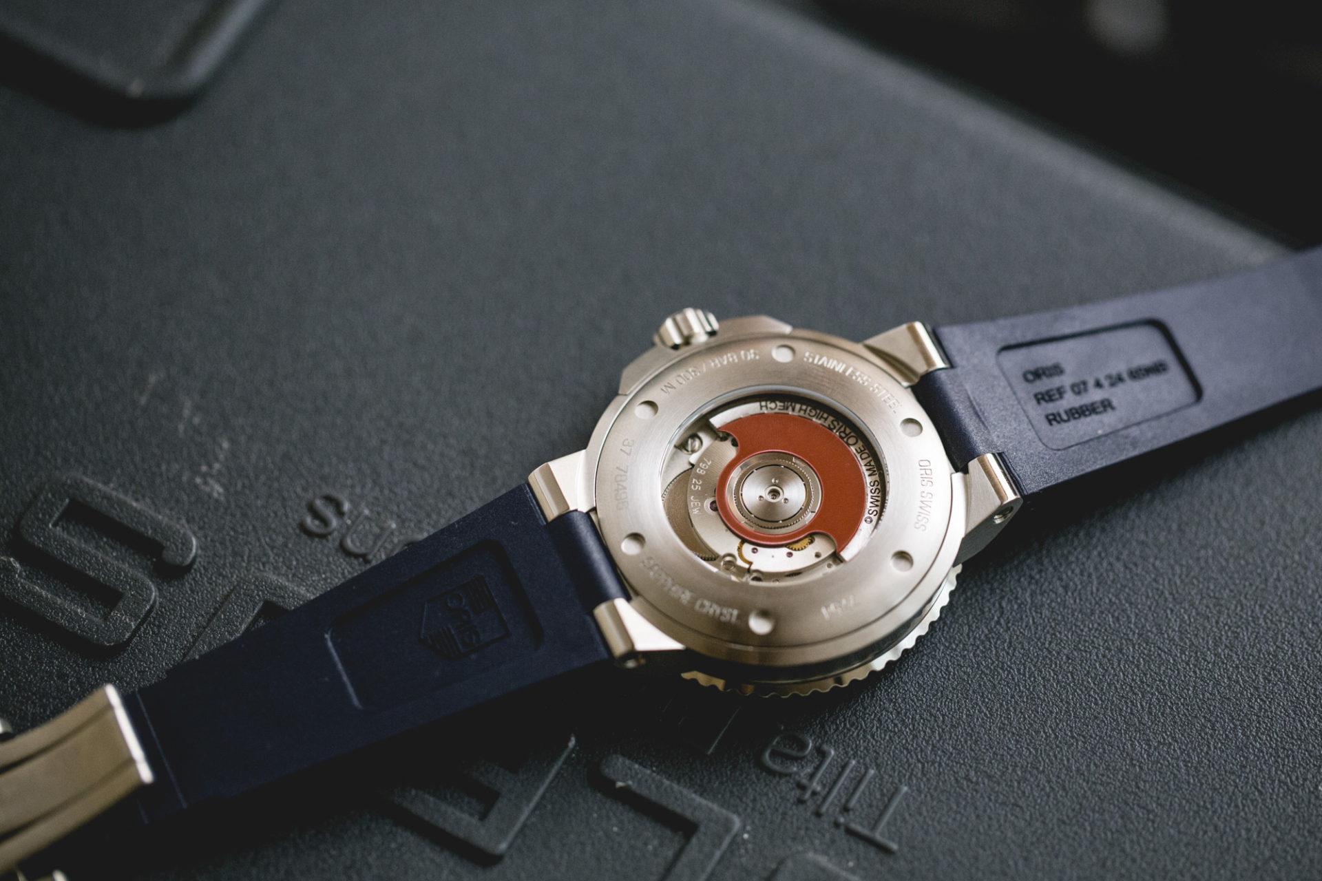 Oris Aquis GMT Date - Calibre Oris 798