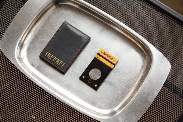 Ferrari - Coupe cigare - Les objets Joseph Bonnie