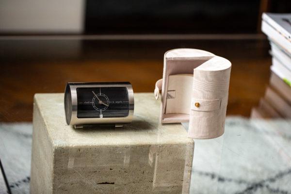 Van Cleef & Arpels - Horloge de table - Les objets chez Joseph Bonnie