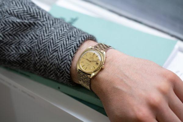 Omega Constellation C-Case Linen Dial - Selection de montres vintage chez Joseph Bonnie