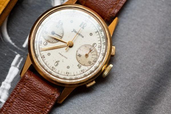 Helvetia chronographe or - Sélection de montres vintage Joseph Bonnie